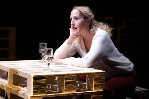Το πρόσωπο της εβδομάδας: Κόρα Καρβούνη - Ηθοποιός